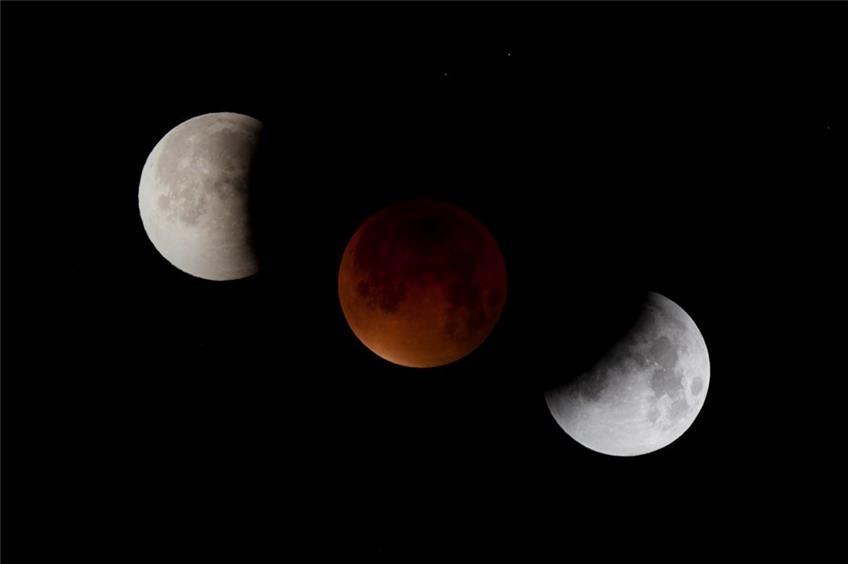 Mond Entfernt Sich